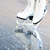 patinage.jpg (Tilted natural version, ice skates with reflection)