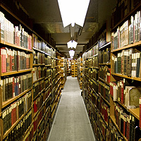 copie-_2_-de-fotolia_4623993_s.jpg (Library Stacks)