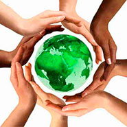UNINE_DD_planete.jpg (Multiracial Hands Around the Earth Globe)