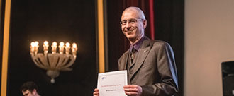 André Kuhn lauréat du Credit Suisse Award For Best Teaching